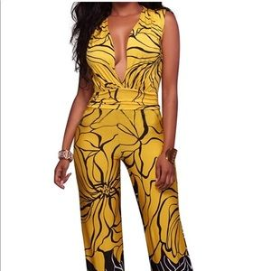 SPRING PREVIEW- Adorable Yellow and Black Jumpsuit